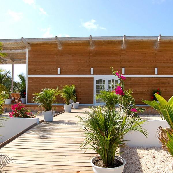 Anguilla-W